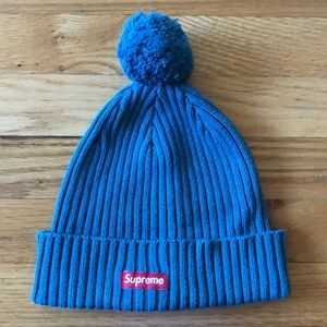 USED Supreme beanie in good condition